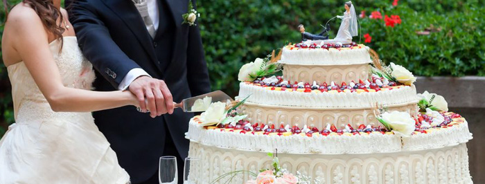 Making Affordable Wedding Cake Designs