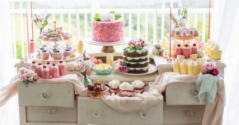 Wedding Shower Cakes: Which Theme to Choose