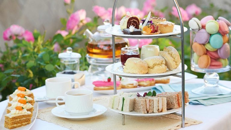 Get High Tea Catering Service without Burning a Hole in your Pocket