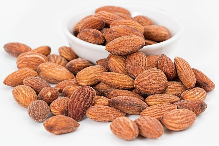 5 Wow reasons why you must consume almonds every day