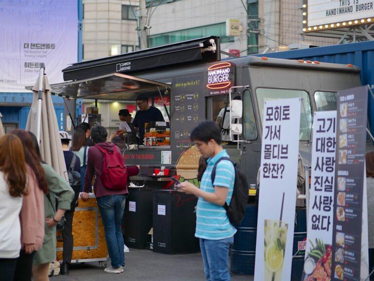 Advantages of Food Trucks Vs Restaurants